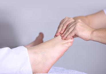 reflexology canada massage2